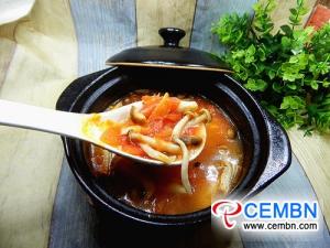وصفة: حساء الطماطم مع فطر المحار وبراون شيميجي
