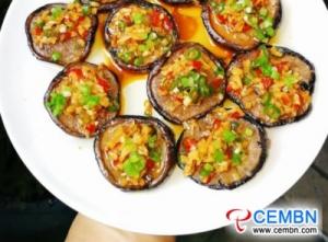 조리법 : 표고 버섯을 마늘 향기로 굽는다.