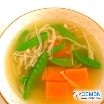 Rezept: Enoki-Pilz-Kürbis-Suppe (leichte Mahlzeit)